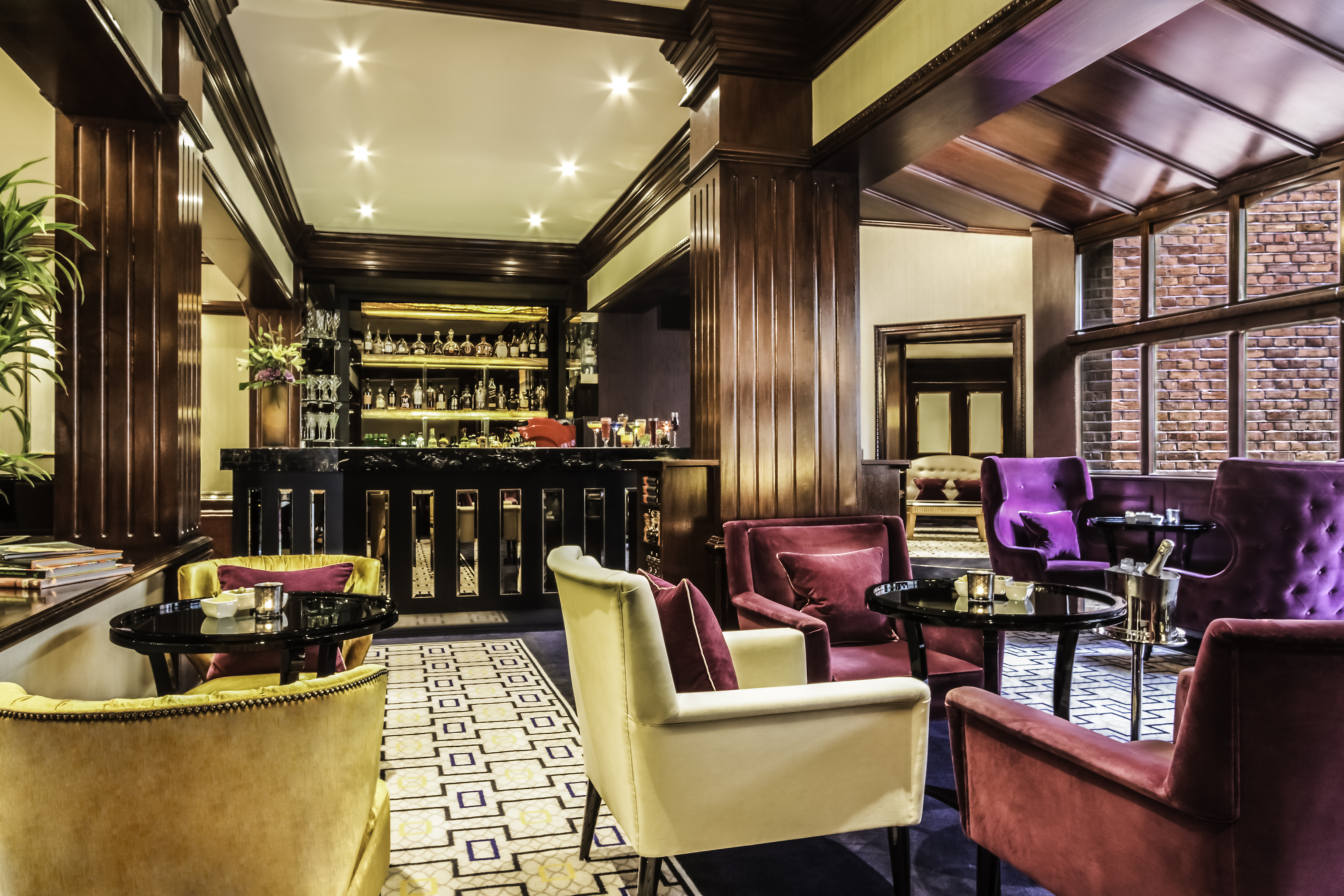 The Hamptons Bar at St. James' Court, a Taj Hotel